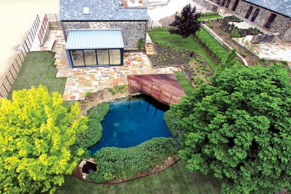 dart-developments-barn-conversion-pond